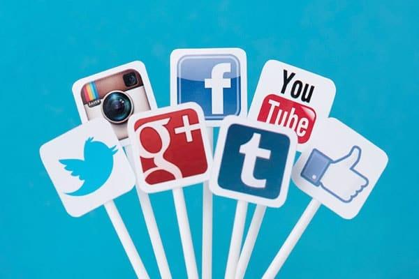 شبکه های اجتماعی مجازی   شبکه اجتماعی   social media و social network